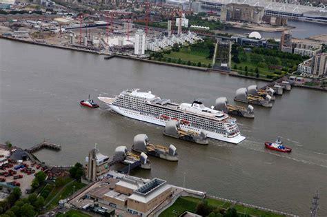 thames river cruise viking cruise ship viking star makes her maiden visit to london