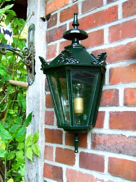 aussenleuchte im landhausstil schoene wandlampe fuer den