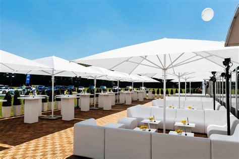 lounge möbel mieten design tipps so richten sie die perfekte outdoor lounge ein