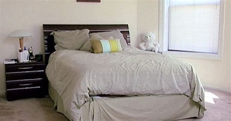 rearrange bedroom on pinterest a little rearranging takes this bedroom from ick to