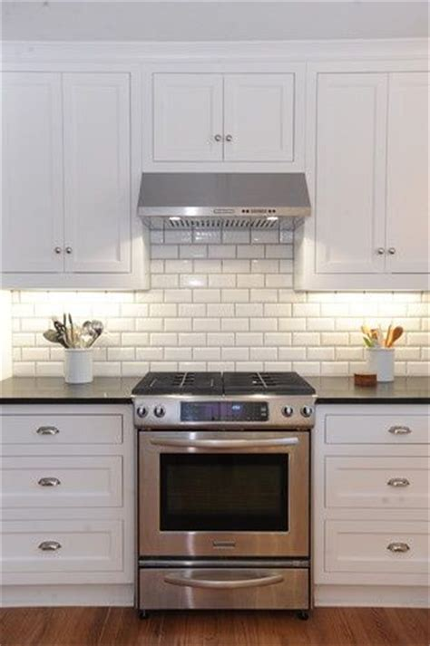 subway tiles backsplash best 25 subway tile backsplash ideas on pinterest