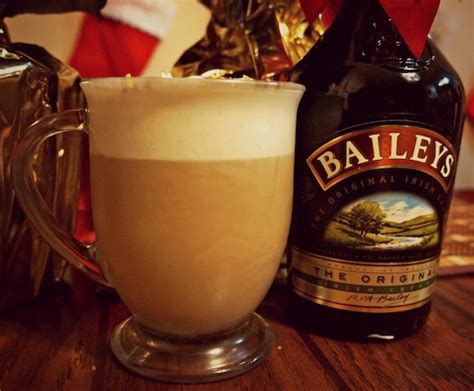 Homemade Cinnamon Vanilla Whipped Cream ? Bailey?s and Coffee   VIVA GLAM MAGAZINE