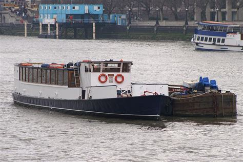 thames river boats richmond to westminster kingwood river thames boat hire joseph mears king