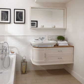 Imperial Bathroom Furniture Imperial Traditional Styled Bathroom Toilets Ceramicware Uk Bathrooms