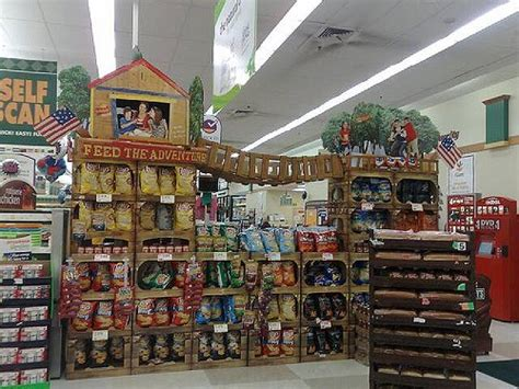 mighty lists  creative grocery store displays