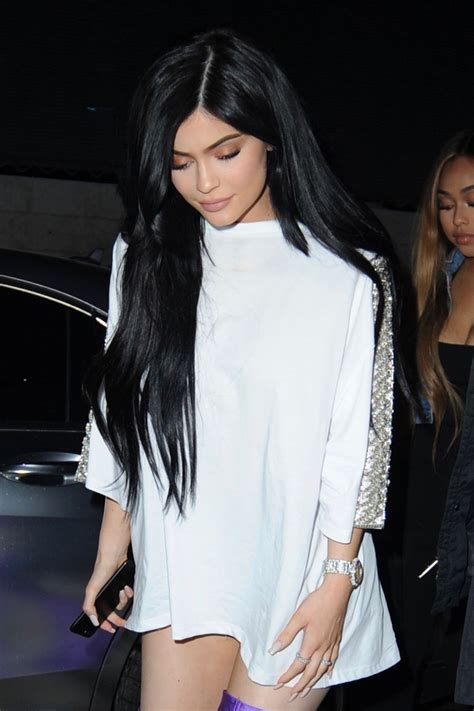 kylie jenner face shape kylie jenner at pretty little thing shape x stassie launch