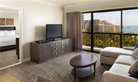 what is a one bedroom suite ali i a luxury oceanfront resort by hilton