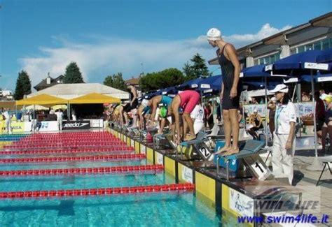 alimentazione prima di una gara di nuoto riscaldamento e defaticamento prima di una gara di nuoto