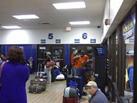 do all greyhound buses have bathrooms what to expect when traveling greyhound hubpages