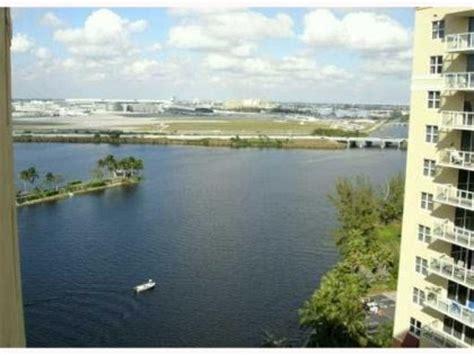 blog para la compra venta y renta de casas en miami casa en remate en miami con piscina y vista al agua blog