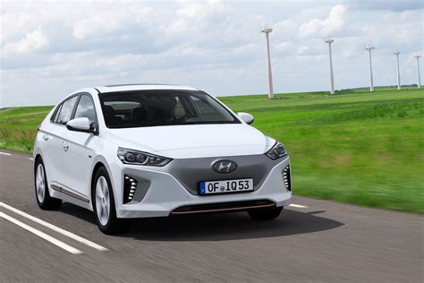 Hyundai Electric Car by Hyundai Ioniq Ev Electric Car Review Pictures Auto Express