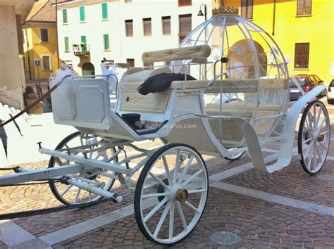 carrozza di cenerentola carrozza cenerentola oro di noleggio carrozza cenerentola