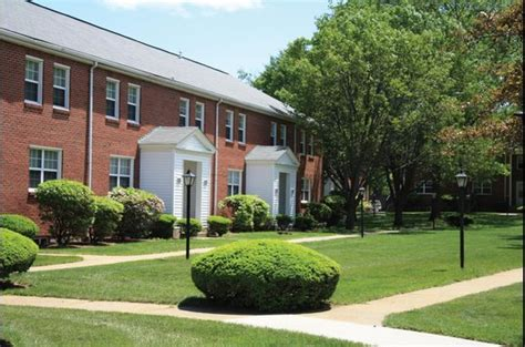 Garden Crest Waltham by Gardencrest Apartments In Waltham Ma Ratings Reviews