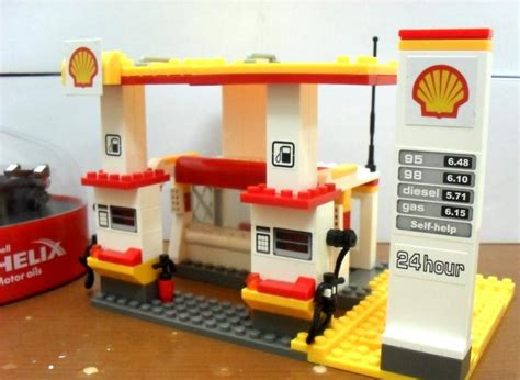 2015 Shell Lego Crossover Garage Display For Sales Onl lego shell petro station end 12 31 2015 11 37 am