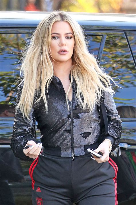 khloé kardashian khloe kardashian arrives at e studios in los angeles 01