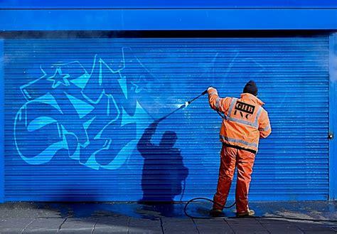graffiti resistant coatings