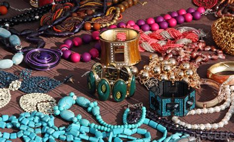 how to make cheap jewelry what is costume jewelry with pictures