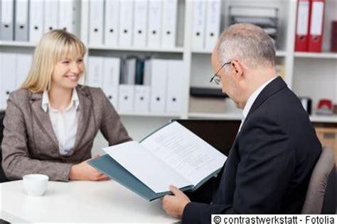 Bewerbungsgesprach Vorbereitung Das Vorstellungsgespr 228 Ch Dresscode Vorbereitung Eigenmarketing