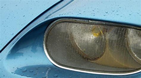 nettoyer siege voiture bicarbonate nettoyer facilement les phares de sa voiture gr 226 ce au