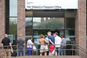 Passport Office Hours by David Cameron Says Sorry For Chaos At Passport Office