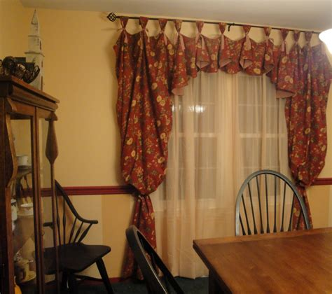 Dining Room Valance Curtains by So Many Memories New Dining Room Curtains