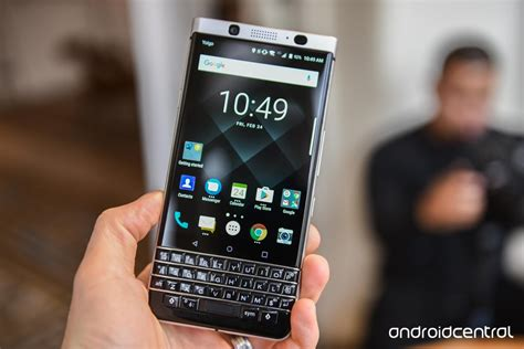 BlackBerry KEYone hands on: Your dad's favorite Android