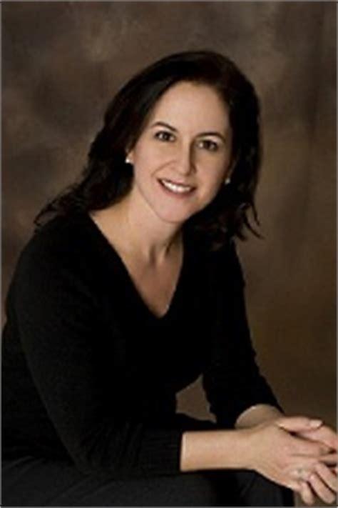 Product Review Avedamy Fav Makeup Assistant Jen by Darlene Gaynor Krupnick Do Momosa Publishing Llc