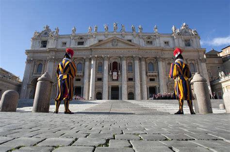 s sede vaticano lobby in vaticano papa francesco vuole chiarezza chi