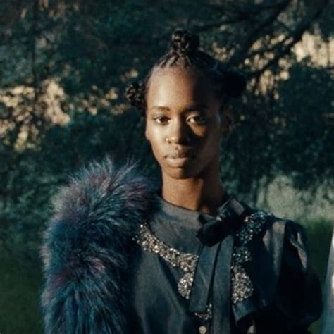 vicks parts on weave 12 of the blackest hairstyles from beyonce s lemonade
