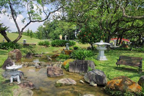 backyard chinese garden panoramio photo of singapore chinese garden