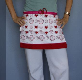 apron pattern from dish towel make an apron from a tea towel 187 dollar store crafts