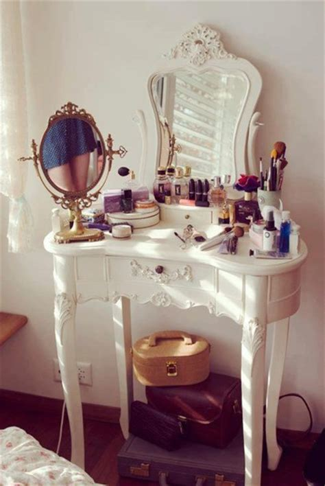 beauty blogger vanity table suggestions nail dressing table make up home decor vanity make up girly vintage jewels