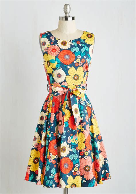 ixia hour by flower dress in retro floral in multi