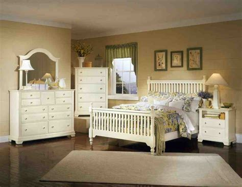 Weathered White Bedroom Furniture by Distressed White Bedroom Furniture Decor Ideasdecor Ideas