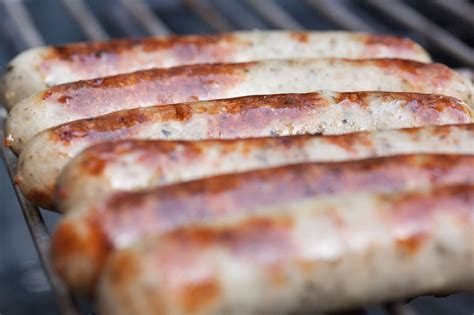 brats vs sausage bratwurst and knockwurst what is the difference