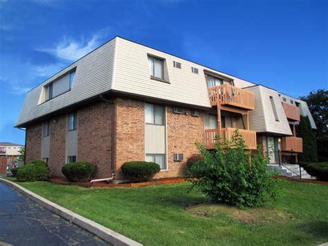 Apartments For Rent In Joliet Il No Credit Check 518 E Bellarmine Dr Joliet Il 60436 Rentals Joliet Il