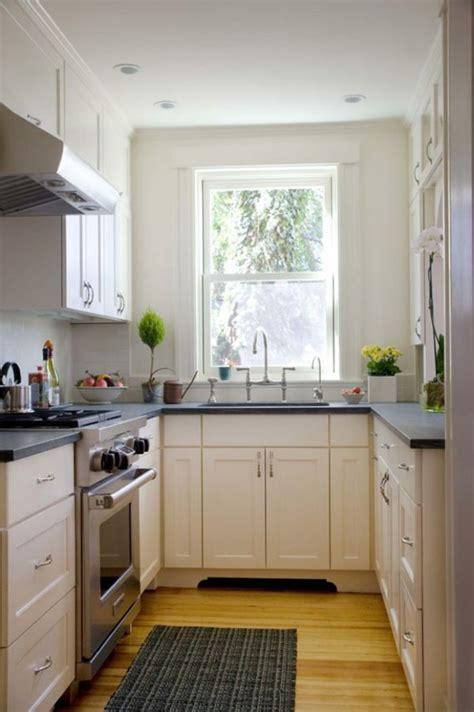 small kitchen decorating ideas pinterest am 233 nager une petite cuisine 40 id 233 es pour le design