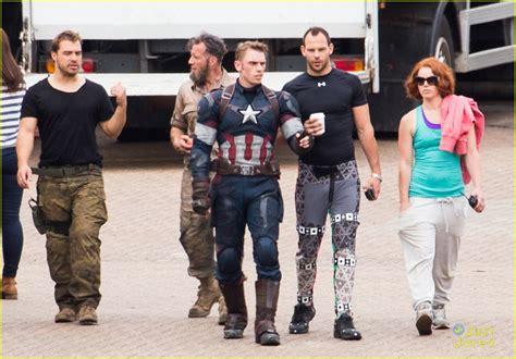 aaron taylor johnson and elizabeth olsen elizabeth olsen gets back to work on avengers with aaron