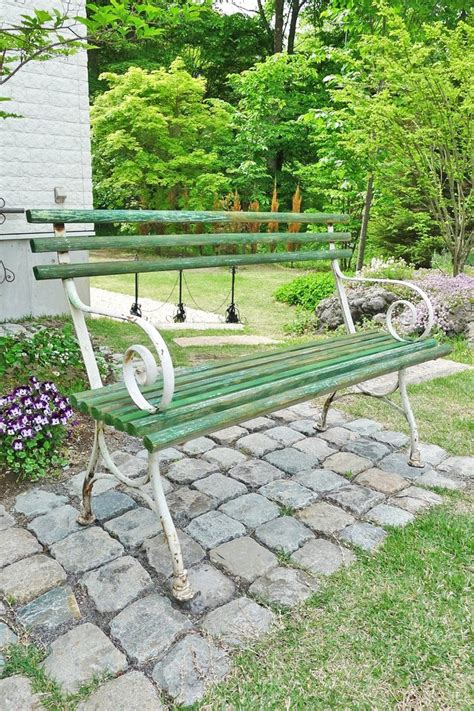 garden sitting bench 65 best images about front yard sitting area on pinterest