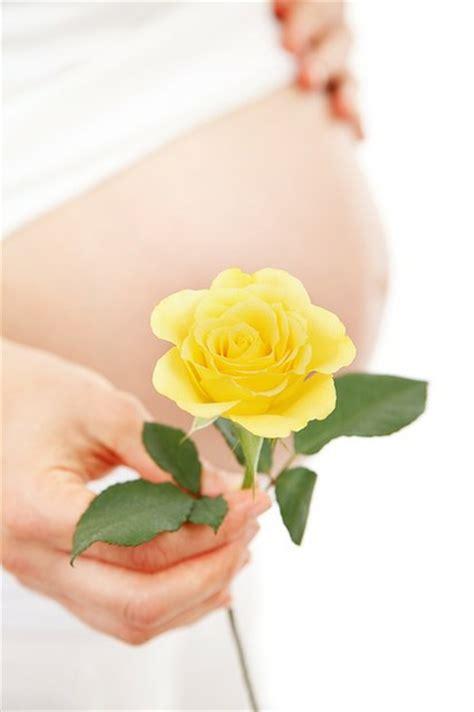 wann spã rt eine schwangerschaft fr 252 he schwangerschaftsanzeichen wann und woran erkennt