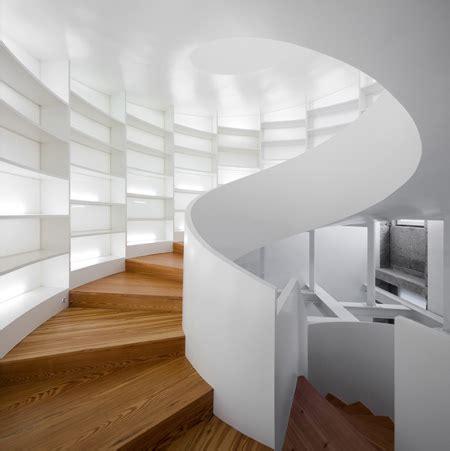 weinkeller wendeltreppe wendeltreppe f 252 r 6 000 b 252 cher moderne architektur aus