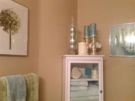 theme bathroom beach theme bathroom seashell mania pinterest