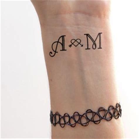 imagenes de tatuajes que digan love tattoo personalizzata san valentin
