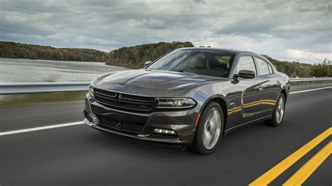 recall chrysler 300 fca recalls 69k chargers and 300s for driveshafts that can