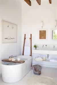 good Quelle Couleur Pour Une Salle De Bain #2: petite-salle-de-bain-zen-couleur-en-deco-bois.jpg