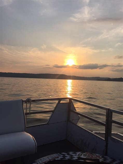 lake bloomington boat rental lake monroe boat rental 12 photos boating paynetown
