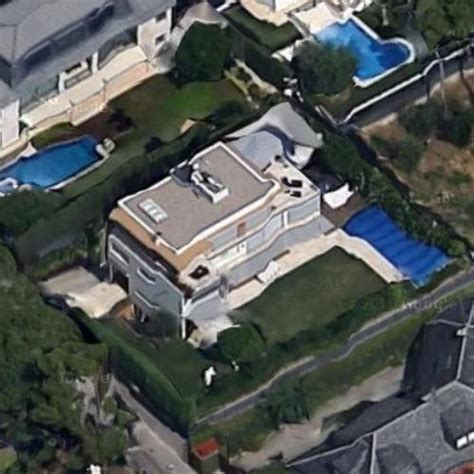 neymar house neymar s house in barcelona spain google maps virtual globetrotting