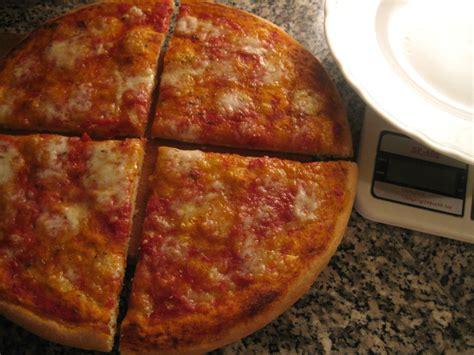 pizze fatte in casa ricetta pizza margherita fatta in casa calorie e valori