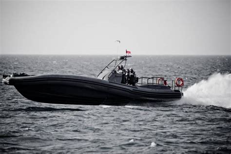 fast boats to jersey high speed interceptor m 46 super fast motor boat fo