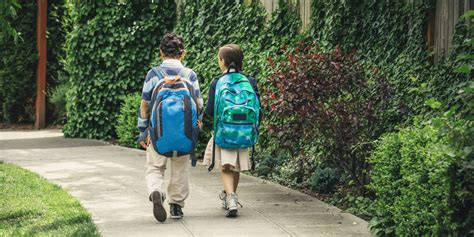 New Law Protects Parents Whose Kids Walk To School Alone